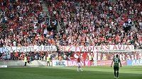 Kotel Slavie při utkání s Jaloncem vyjádřil protest proti šéfovi klubu Jaroslavu Tvrdíkovi.