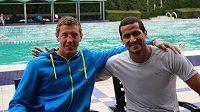 Český plavec Jan Micka (vlevo) s tuniským esem Usámou Mellúlím.