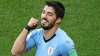 Uruguayský střelec Luis Suárez se raduje z gólu proti Saúdské Arábii.