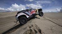 Francouz Stéphane Peterhansel je novým lídrem Rallye Dakar v kategorii automobilů.