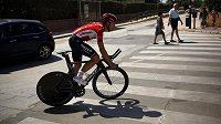 Belgický cyklista Kris Boeckmans během týmového tréninku na španělskou Vueltu.