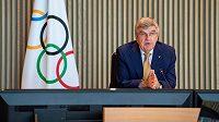 Prezident MOV Thomas Bach oznámil, že sportovci Severní Koreje nebudou moci startovat v únoru na zimních olympijských hrách v Pekingu.