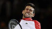 Srbský tenista Novak Djokovič se raduje z triumfu ve finále turnaje ATP v Šanghaji.