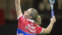 Karolína Plíšková na tréninku českého týmu před víkendovým semifinále Fed Cupu v Lucernu proti Švýcarsku.