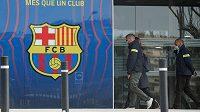 Katalánská policie zatkla po dnešní razii v kancelářích fotbalové Barcelony bývalého předsedu klubu Josepa Mariu Bartomeua.
