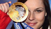 Rakouská sjezdařská hvězda Anna Fenningerová se zlatem ze super-G v rámci ZOH v Soči.