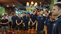 Čeští basketbalisté dnes na mistrovství světa v Šanghaji slavnostně otevřeli Český dům.