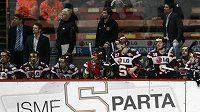 Střídačka hokejistů Sparty se už v této sezóně nezaplní. Je konec.