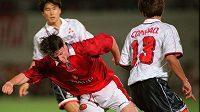 Philip Mulryne (v červeném) na archivním snímku z roku 1997 v dresu Manchesteru United.