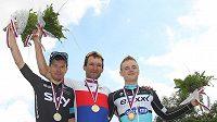 Zleva Leopold König, Jan Bárta, Petr Vakoč na stupních vítězů po společném mistrovství ČR a Slovenska v silniční cyklistice v Žilině.