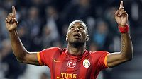 Hvězda Galatasaraye Didier Drogba v utkání Ligy mistrů s Juventusem.