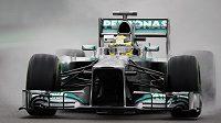 Pilot mercedesu Nico Rosberg ovládl mokré tréninky na okruhu v Sao Paulu.