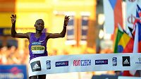 Vítěz českobudějovického půlmaratónu Abraham Cheroben.