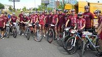 Hokejisty Sparty čeká velká cyklistická výzva...