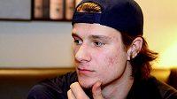 Útočník Pavel Zacha, české želízko pro nadcházející draft NHL.