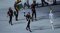 Vlajkonoš Dominiky, běžec na lyžích Gary di Silvestri.