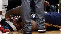 Hvězdný pivot DeMarcus Cousins se vážně zranil v přípravě na novou sezonu NBA.