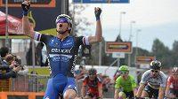 Vítězná úleva Zdeňka Štybara v cíli druhé etapy závodu Tirreno-Adriatico.