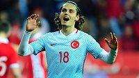 Turecký mladík Enes Ünal v reprezentačním dresu.