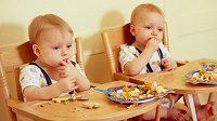 Jednovaječná dvojčata – dnes stejná, za pár let mohou být zásadně jiná. Záleží na tréninku. (ilustrační foto)
