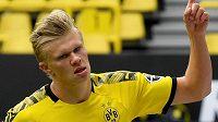 Norský tank Erling Braut Haaland z Dortmundu potvrdil i utkání proti Schalke pověst střelce.
