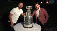 Slavný Stanley Cup budí pozornost všude, kde se objeví