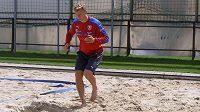 Antonín Barák plní individuální tréninkový plán po zranění zadního steheního svalu pravé nohy.