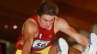 Adam Sebastian Helcelet při dálce na halovém mistrovství republiky ve vícebojích.