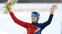 Martina Sáblíková v Minsku po vyhlášení nejlepších závodnic na 3000 metrů.