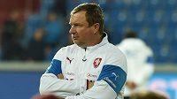 Trenér české reprezentace Pavel Vrba během přípravného utkání se Srbskem.