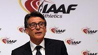 Šéf IAAF Sebastian Coe po jednání ve Vídni.