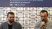 Viceprezident Svazu lyžařů ČR Lukáš Sacher (vlevo) a šéf organizačního výboru Světového poháru v Novém Městě na Moravě Jiří Hamza.