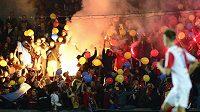 Fanoušci Sparty během pražského derby proti Slavii na Letné.