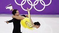 Český taneční pár Cortney Mansourová a Michal Češka při krátkém tanci během olympijského vystoupení. Cíl českého páru byl jediný, napravit vystoupení z ME.