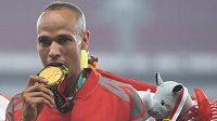 Hassan Chání se zlatou medailí.