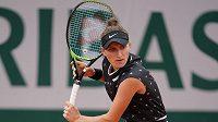 Markéta Vondroušová v akci na French Open