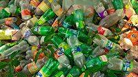 V roce 2016 se na celém světě prodalo 480 miliard plastových lahví.