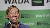 Olympijská vítězka v běhu na lyžích a bojovnice proti dopingu Beckie Scottová odstoupila z komis WADA.