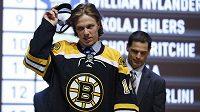 Český hokejový útočník David Pastrňák během draftu NHL, když si jej vybral Boston.
