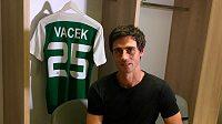 Kamil Vacek v šatně Maccabi Haifa.