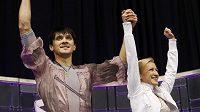 Taťjana Volosožarová a Maxim Traňkov získali světový titul ve sportovních dvojicích.