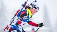 Veronika Vítková během hromadného závodu biatlonistek na MS v Östersundu