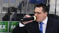 Trenér Andrej Nazarov.