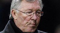 Zachmuřený trenér Manchesteru United Alex Ferguson