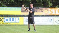 Trenér Pavel Vrba na soustředění týmu v rakouském Westendorfu.