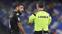 Francesco Manganelli ze Sassuola protestoval proti neuznaným gólům marně