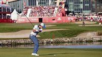 Severoirský golfista McIlroy na turnaji v Abú Zabí