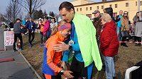 Konečně v cíli! S Ondřejem Veličkou se Kateřina Kašparová zúčastnila také MČR v běhu na 100 km.