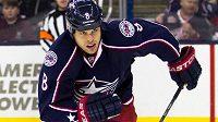 Nad další hokejovou kariérou Nathana Hortona se stahují černá mračna.