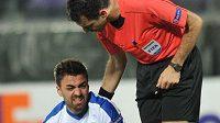 David Hovorka krátce po zranění kolena při utkání Evropské ligy Fiorentina-Liberec.